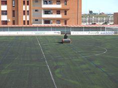 El consistorio de Moraleja acomete obras de mejora en el campo de fútbol y las pistas de pádel