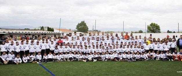 El Moraleja cierra la temporada con una foto oficial de los jugadores de los distintos equipos del club