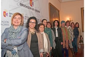 Diputación elabora un manifiesto por la igualdad de género con los testimonios de siete cacereñas