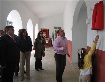 Eva María Pérez destaca en Acehúche la ventaja de los colegios con una educación individualizada