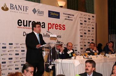 Fernández Vara recalca que la financiación autonómica para no se puede imponer a las comunidades