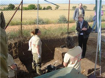 Diez desempleados, nueve de ellos mujeres, se forman como auxiliares en intervenciones arqueológicas