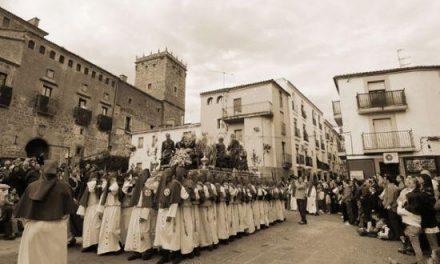 La Vera Cruz de Plasencia sacará en procesión las reliquias del Madero de la Cruz y la Sagrada Espina