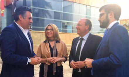 Ballestero anuncia un acuerdo con la Junta para acometer el proyecto del nuevo pabellón deportivo
