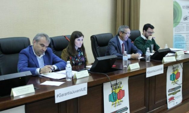 """La Junta subraya que """"no hay excusas"""" para abordar """"desde el consenso"""" el sistema de Garantía Juvenil"""