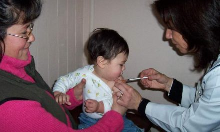 La Junta estudia hacer uso de sus competencias sanitarias para garantizar la vacunación de tosferina