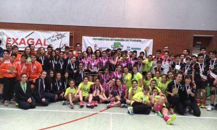 El AD Moraleja CB se alza con la medalla de bronce en el Campeonato de Extremadura de Voleibol