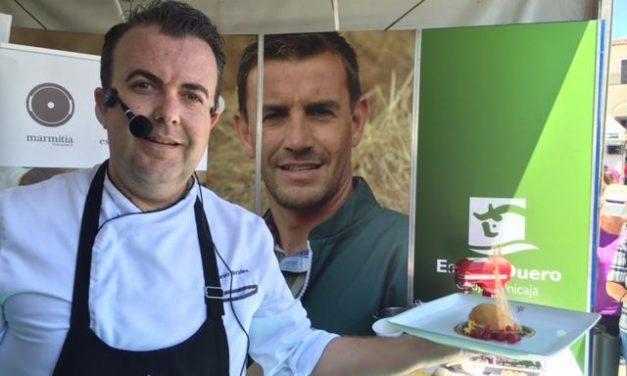 Turismo y gastronomía confluyen en una jornada con gran afluencia de público en la Feria del Queso de Trujillo