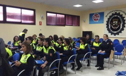 Medio centenar de mujeres participa en el I Encuentro de Mujeres Policías Locales de Plasencia