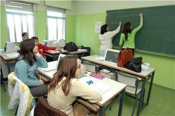La Junta asegura que apuesta por medidas contra la exclusión social para combatir el fracaso escolar