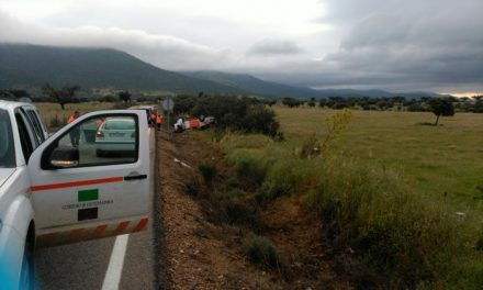 Un accidente de tráfico en Zorita se salda con dos miembros de Protección Civil fallecidos este domingo