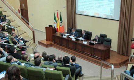La Junta de Extremadura concederá más de 700 becas complementarias a universitarios extremeños