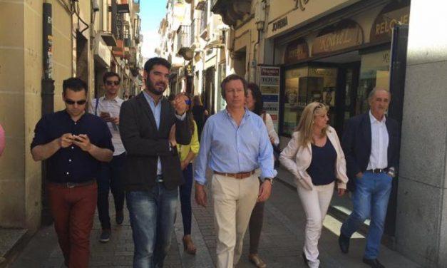 """Floriano asegura que a la provincia de Cáceres y a Plasencia les sienta """"muy bien"""" un gobierno del PP"""