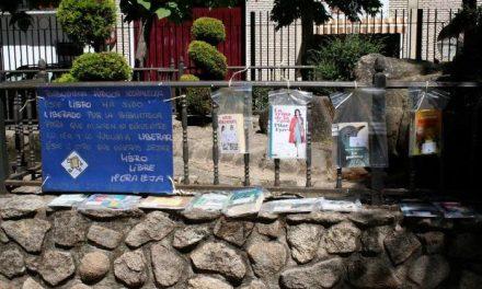 """Los vecinos de Moraleja ya pueden disfrutar de la iniciativa """"Libros Libres"""" en los parques del municipio"""