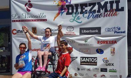 """Más de 200 corredores participan en la carrera """"Los 10.000 de la Vinosilla"""" celebrada en Plasencia"""