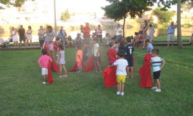 Cerca de medio centenar de niños participa en las II Jornadas de Toreo de Salón en Moraleja