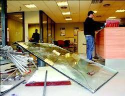 Revientan el escaparate de una entidad bancaria de Plasencia para robar el dinero del cajero automático