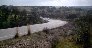 La Junta de Extremadura no asumirá la titularidad de las carreteras de las diputaciones provinciales