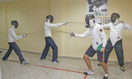 El Club de Esgrima 'Sala de Armas' de Plasencia organiza una exhibición y clase gratuita