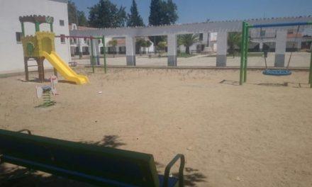 La pedanía cauriense de Rincón del Obispo ya cuenta con un parque infantil accesible y moderno