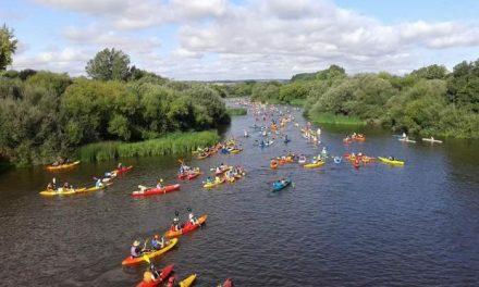 Más de 600 palistas participaron este domingo en el IX Descenso del Río Alagón