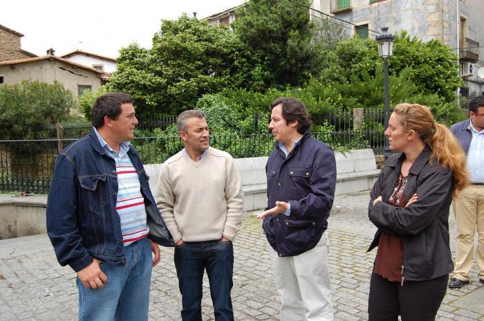Carlos Floriano destaca en Sierra de Gata la importancia de poner en valor el patrimonio natural