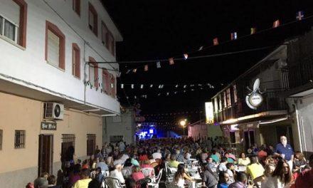 El barrio de Las Eras de Moraleja celebra sus tradicionales fiestas con numeroso público