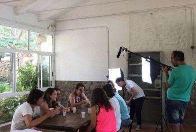 Jóvenes de España trabajan en Jerte con la Asociación Extremeña de Padres para la Integración en Badajoz