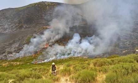 El incendio de la Garganta de los Infiernos estabilizado tras su reactivación  en la tarde de ayer