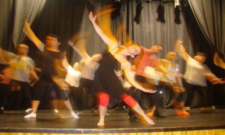 La Universidad Popular de Torrejoncillo acoge una campaña de difusión de la danza comtemporánea