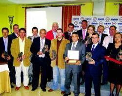 Lucas Alonso recibe el premio como mejor autónomo del año de la Opa-Apac de Villanueva