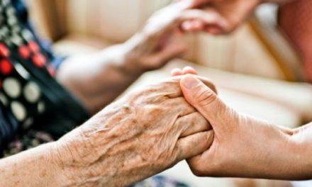 La Junta de Extremadura concede 3.300.000 euros para los de servicios sociales de atención social básica
