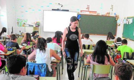 """El curso escolar arranca """"con total normalidad"""" en los centros educativos extremeños"""