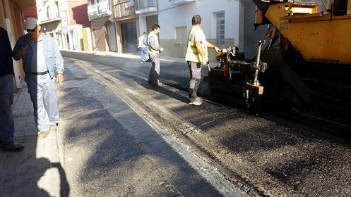 El Ayuntamiento de Moraleja acomete trabajos de mejora y asfaltado en varias calles de la localidad