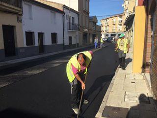 El Ayuntamiento de Moraleja prevé poner fin este viernes a las obras de asfaltado de varias calles