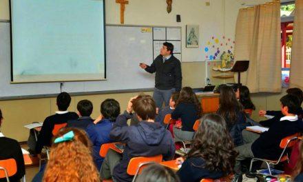 La Consejería de Educación dice que la reducción de horas de religión solo supone cuatro contratos menos