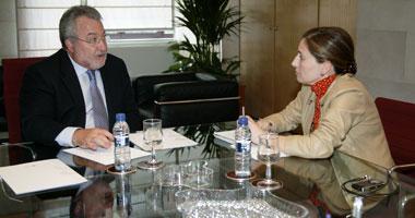 La Junta de Extremadura reconoce, tras reunirse con Soria, que hay déficit en la financiación de la Sanidad