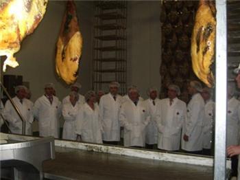 Fernández Vara destaca la industria agroalimentaria como sector estratégico para Extremadura