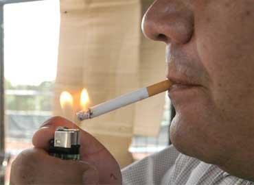 La Asociación de Neumólogos del Sur cambia piruletas por cigarros para ayudar a dejar el tabaco