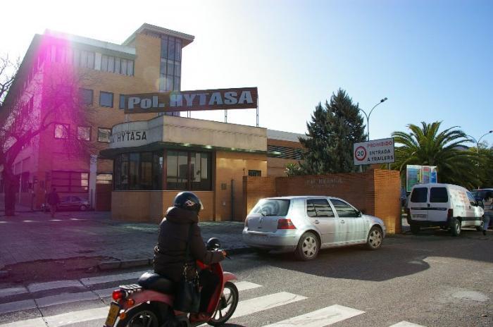 Fallece la hermana de la alcaldesa de Moraleja tras ser atropellada por un camión en una avenida de Sevilla