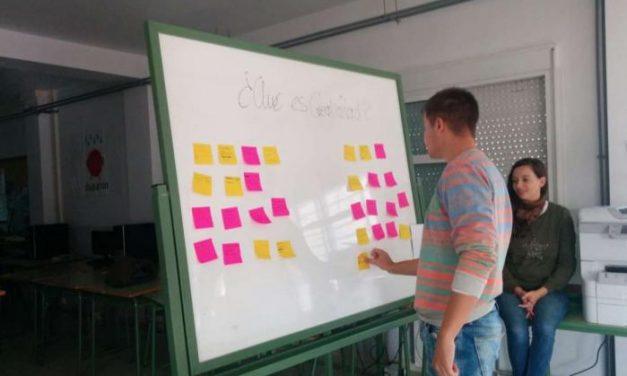 Los participantes de 'Expertemprende' reciben formación en creatividad aplicada a ideas de negocio