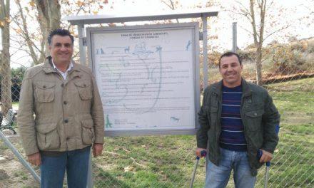 Coria inaugura el primer centro de esparcimiento canino de la ciudad en el parque de Cadenetas