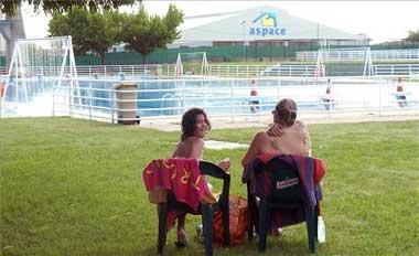 La piscina municipal de Plasencia abrirá el día 11, pero la zona de baño de La Isla se retrasa por las obras