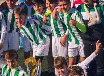 """El Córdoba CF se proclama ganador del I Torneo Internacional de Fútbol-8 Alevín """"Ciudad de Coria"""""""