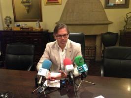 """El alcalde de Plasencia, Fernado Pizarro, define 2016 como un año de """"luces y sombras"""" para la ciudad"""