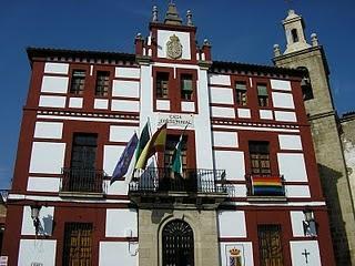 El Ayuntamiento de Torrejoncillo concederá ayudas de 500 euros para el fomento de la natalidad