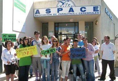 Los 64 trabajadores de los cuatro centros de Aspace llevan cuatro meses sin cobrar sus nóminas