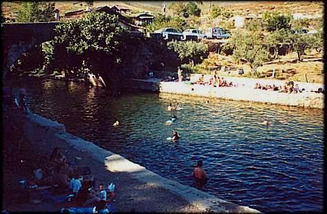 El alcalde de Acebo asegura que el agua de las piscinas naturales son totalmente aptas para el baño