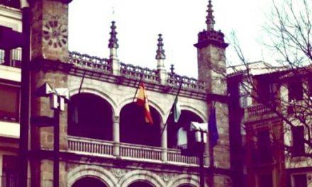 Plasencia llevará a pleno la propuesta del escritor Gonzalo Hidalgo Bayal para la Medalla de Extremadura