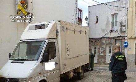 La Guardia Civil investiga a tres jóvenes por robar embutido de un camión en Torrejoncillo